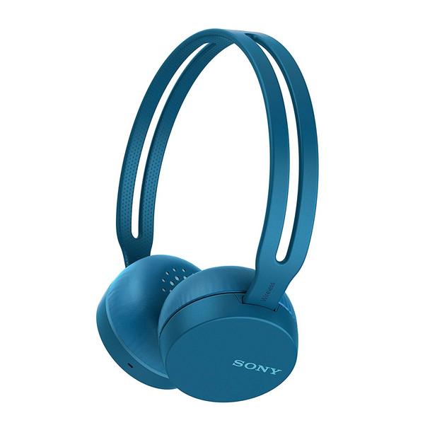 Navy blue wireless headphones