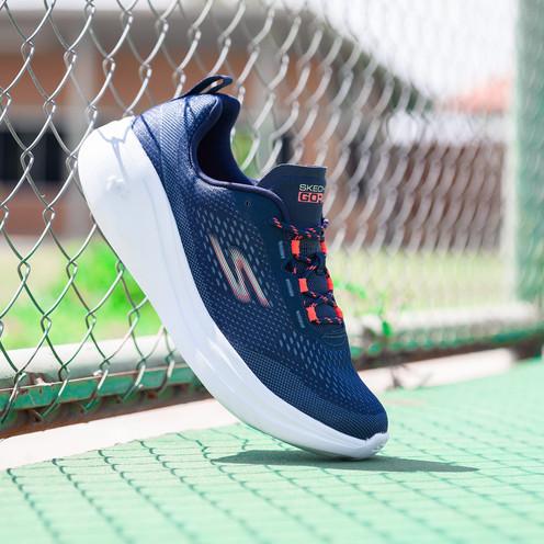 Sketchers blue sneakers
