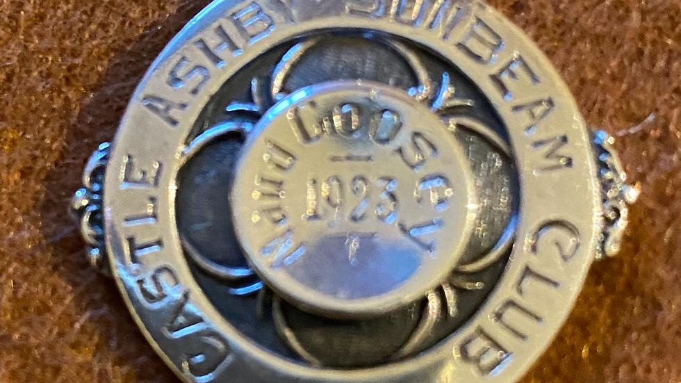 silver pendant and silver chain