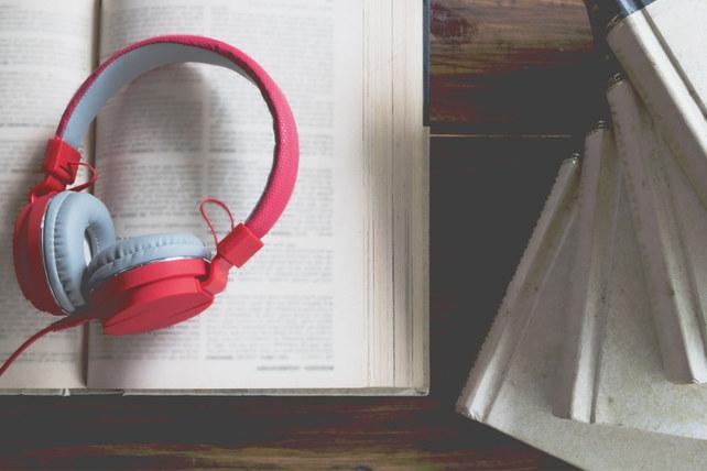 YAYBİR: İzinsiz sesli kitap da korsandır!