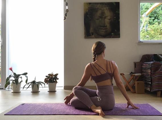 sala yin yoga