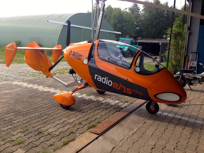 Beschriftung von 2 Gyrocoptern für RBB Radio Eins
