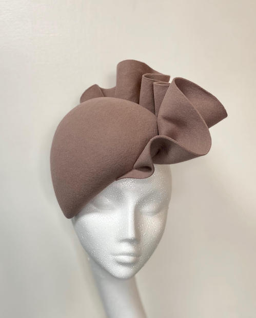 Mouse brown felt perching beret with ruffle trim