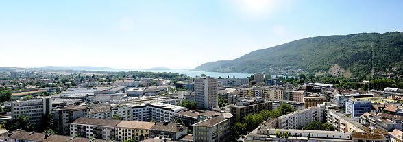 Vue_panoramique_de_Bienne_sur_le_lac_et_