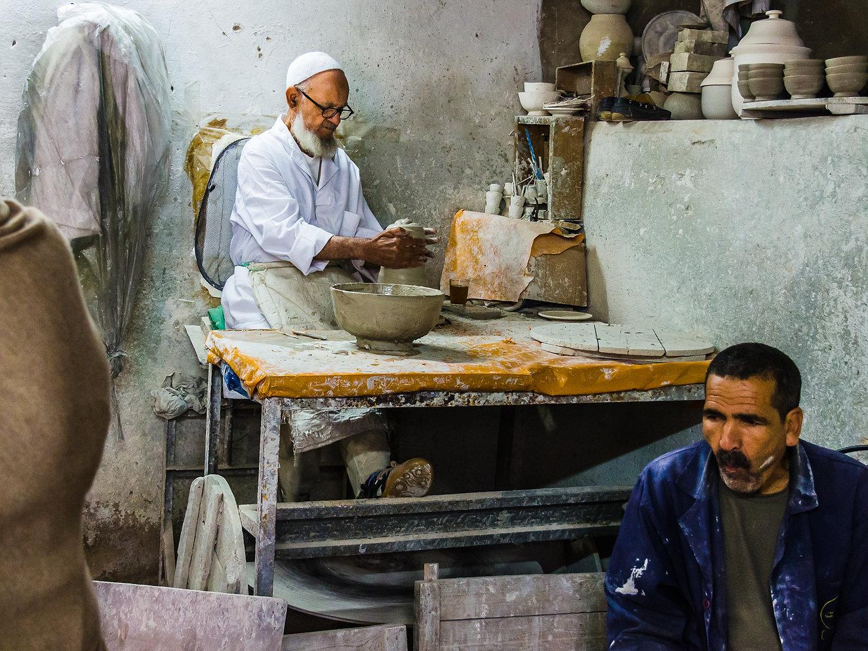 Traditionell keramiktillverkning i Fez