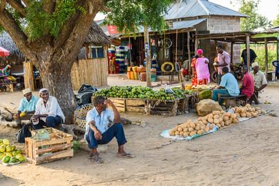 Försäljning i byn Mloka