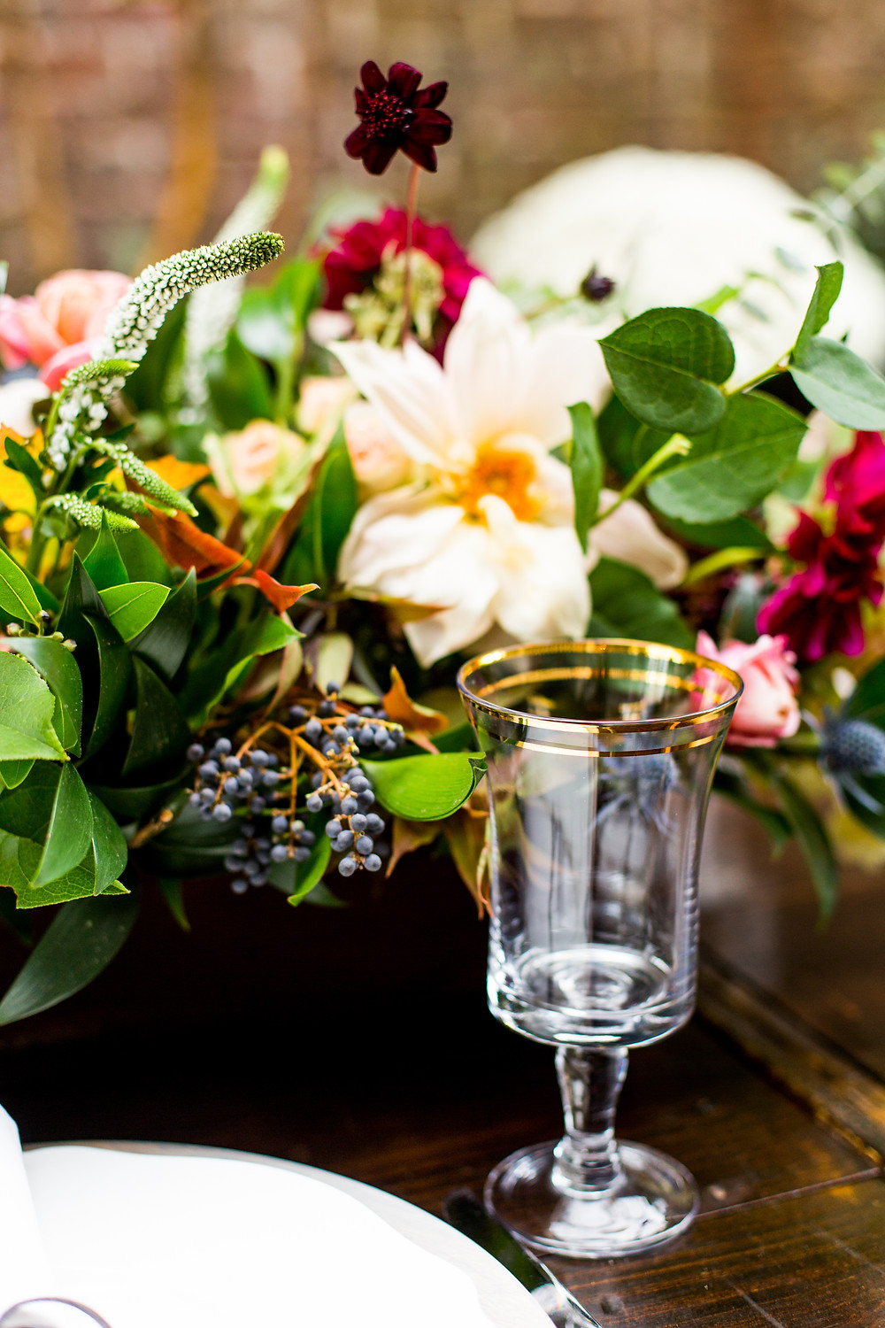 Floral and glassware details