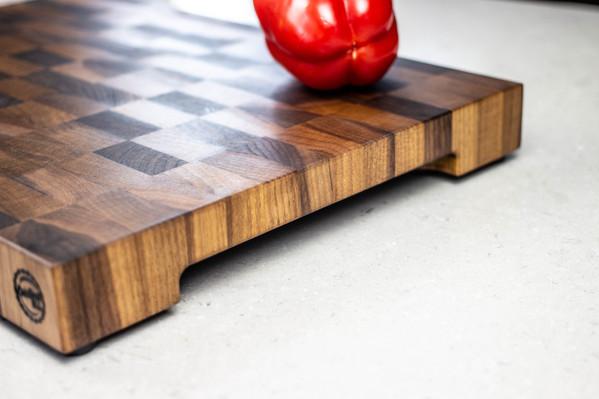 black_walnut_end_grain_cutting_board_sid