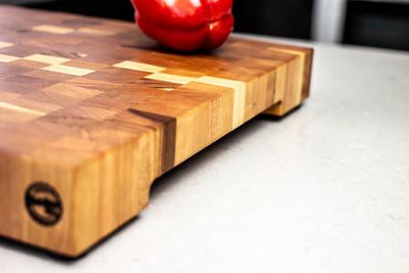 cherry_end_grain_cutting_board_side_01.j