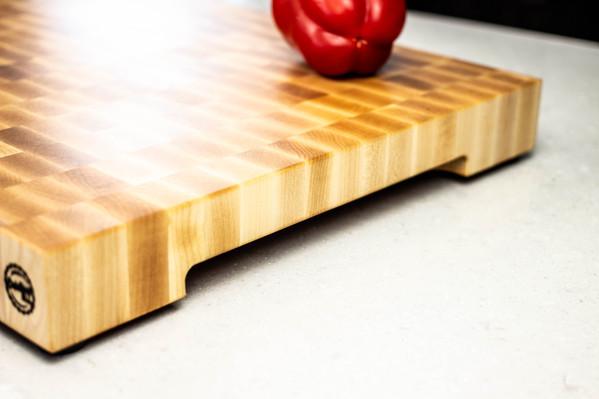 maple_end_grain_cutting_board_side_01.jp