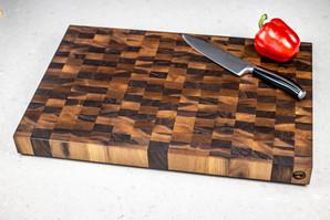 black_walnut_end_grain_cutting_board_top