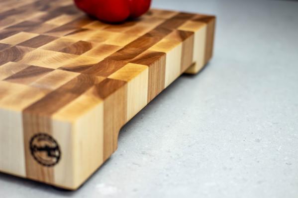maple_end_grain_cutting_board_side_02.jp