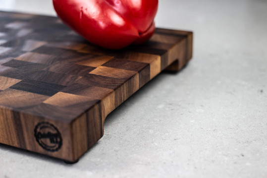Black walnut end grain cutting board side!