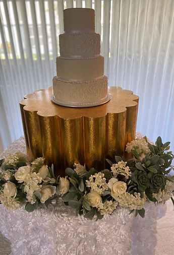gold cake stand.jpg