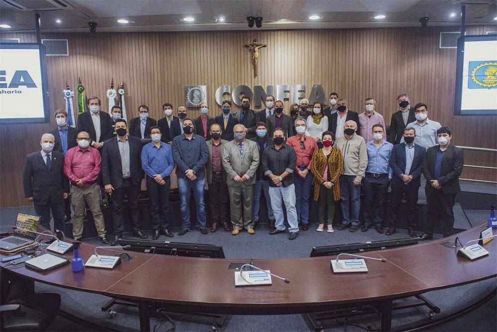 Participantes da plenária da Coordenadoria Nacional de Câmaras Especializadas de Engenharia Elétrica