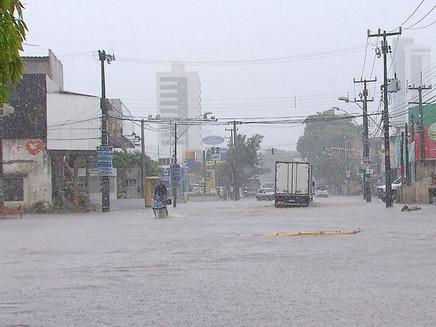 Em 24 horas, Recife registra chuva esperada para 17 dias