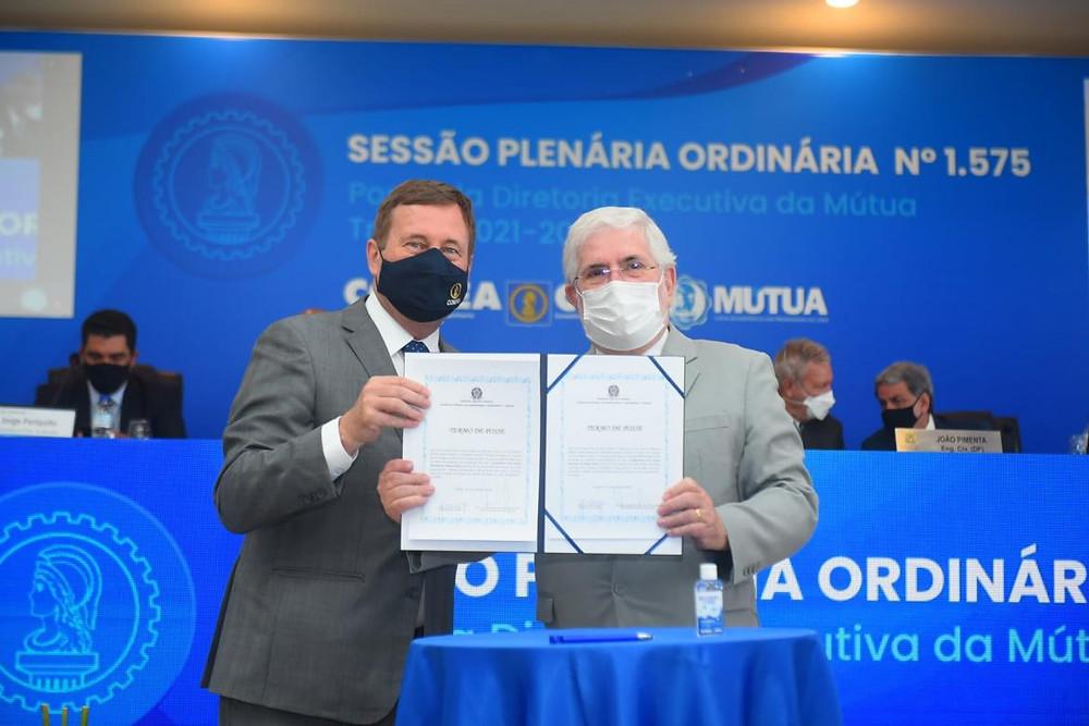 Carlos Vilhena, à direita