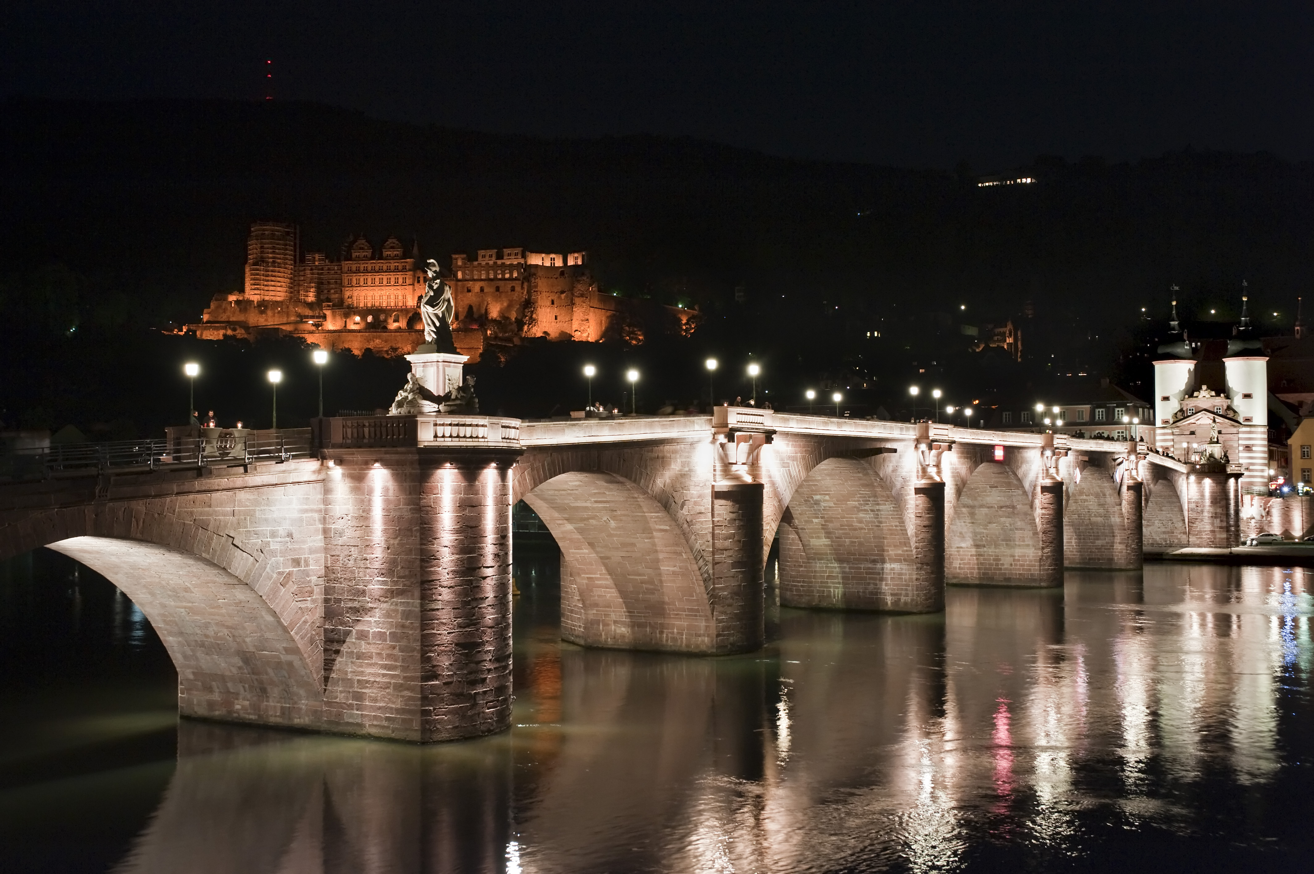 夜のカール・テオドール橋