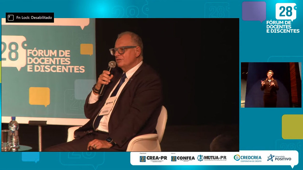 Atual contexto do país também foi lembrado pelo diretor-geral da Mútua do Paraná, eng. civ. Júlio César Russi