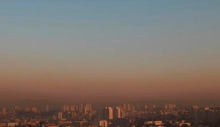 Caminhões e ônibus respondem por metade da poluição do ar em São Paulo