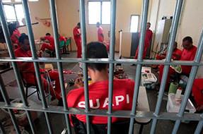 Mantida regra que permite remuneração de presos em 3/4 do salário mínimo