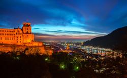 夜のハイデルベルク城とハイデルベルク