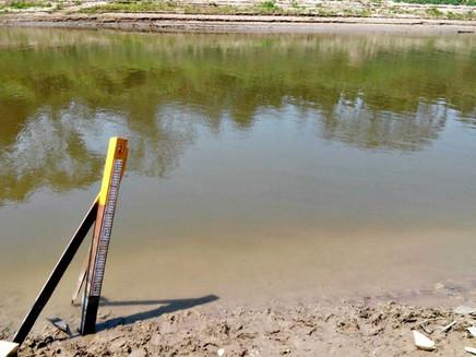 Com seca atípica, rio no interior do Acre fica abaixo de um metro