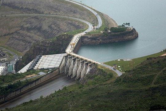 Hidrelétrica de Furnas no rio Grande (MG) - Foto: Raylton Alves / Banco de Imagens ANA