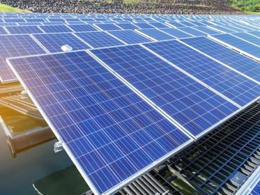 Novo sistema utiliza placas solares para produzir energia e água potável ao mesmo tempo