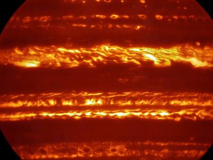 Observatório europeu divulga espetacular imagem detalhada de Júpiter antes de chegada de sonda ao pl