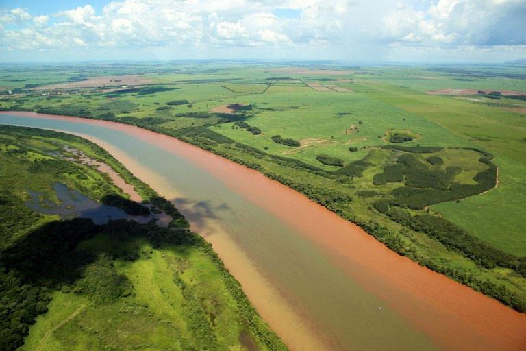 Rio Paranapanema (PR/SP) - Foto: Raylton Alves / Banco de Imagens ANA