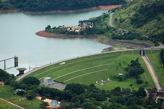 Hidrelétrica Caconde no rio Pardo (SP) - Foto: Raylton Alves / Banco de Imagens ANA