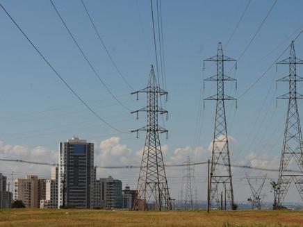 Aneel proíbe Furnas de participar de leilões de geração e transmissão de energia por um ano
