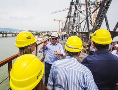 Engenheiros de todo o Brasil vistoriam as obras de restauração da Ponte Hercílio Luz