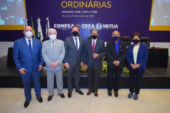 Nova Diretoria da Mútua com o presidente do Confea