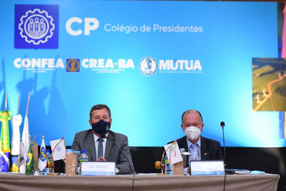 Presidente Joel Krüger e vice-governador da Bahia, João Leão, na abertura da reunião do Colégio de Presidentes em Salvador