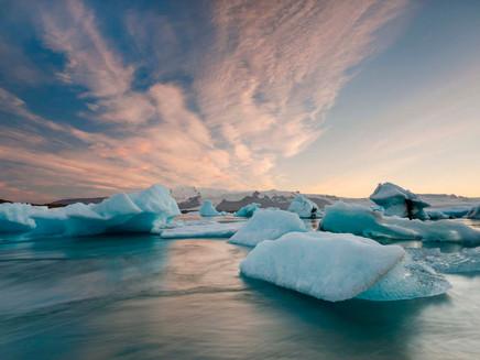 Cidades em zonas costeiras sofrem sérios riscos por causa do aquecimento do planeta, diz cientista