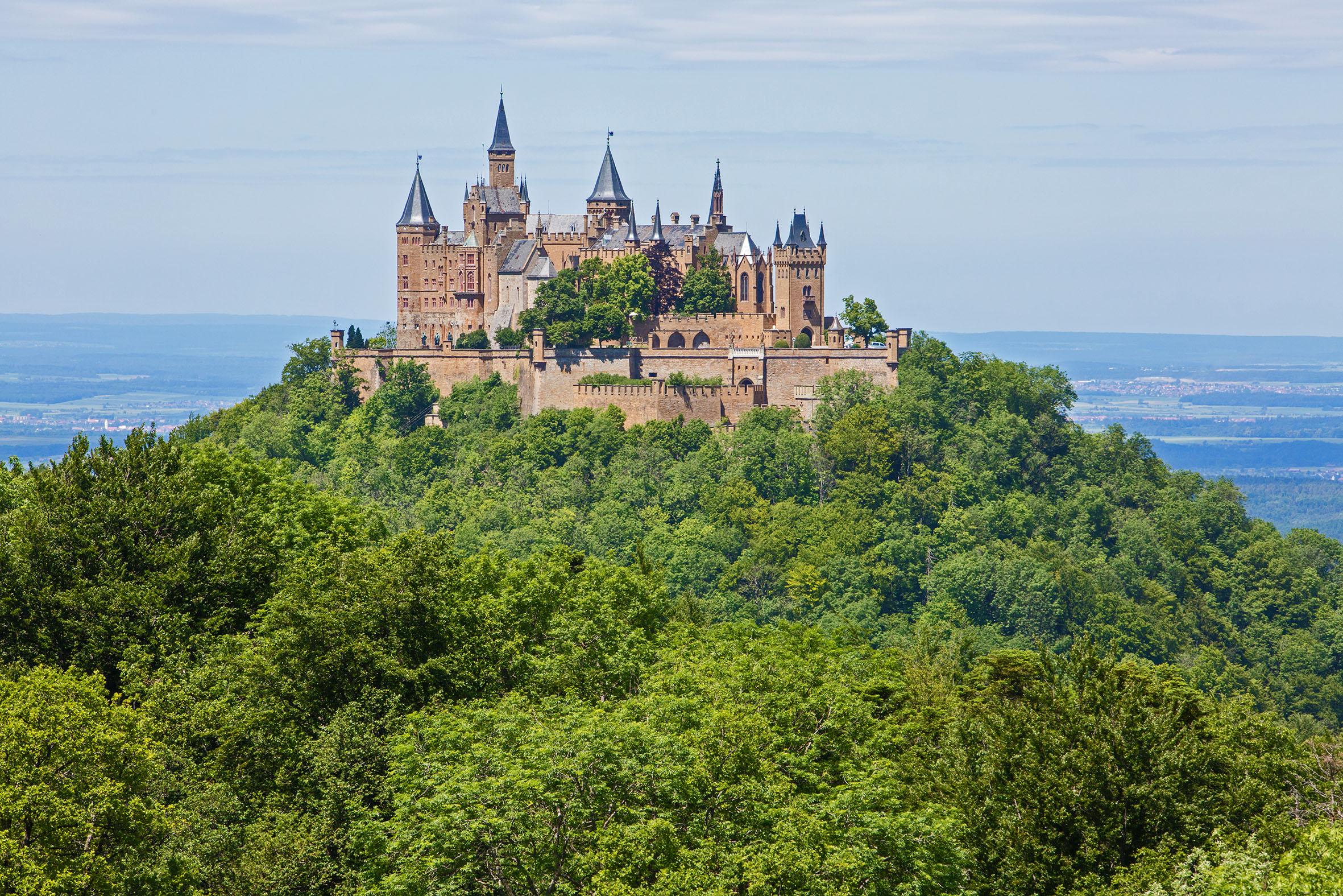 山上にそびえるホーエンツォレルン城