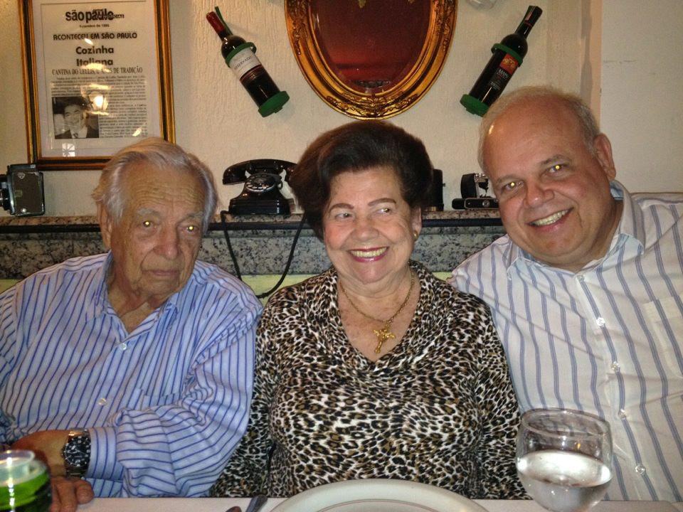 Paulo com dona Lourdes e seu Francisco