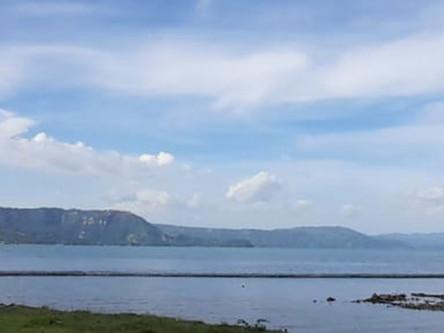 Instalan riobarda de 120 metros de largo en el lago de Ilopango
