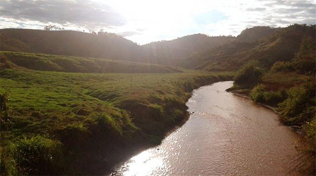 O Rio Doce foi um dos cursos d'água impactados pelo rompimento da Barragem de Fundão, ocorrido em 2015, em Mariana - Foto: Sisema/Divulgação