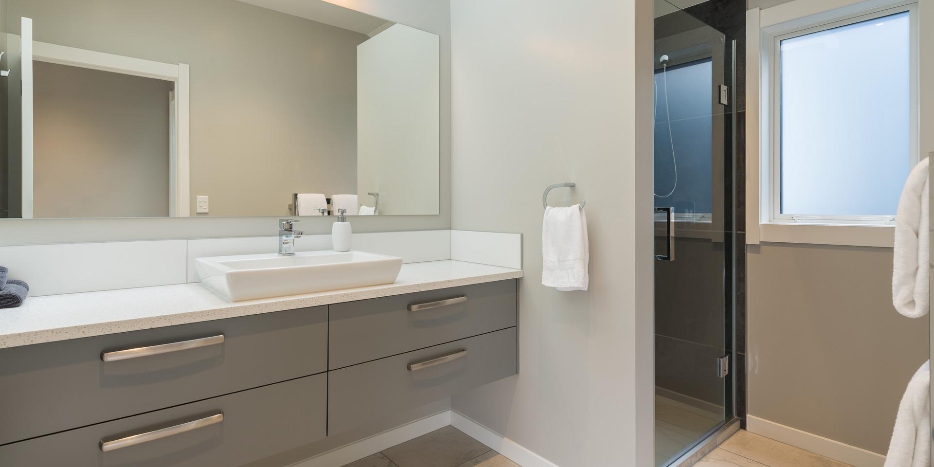 Light Bright Bathroom