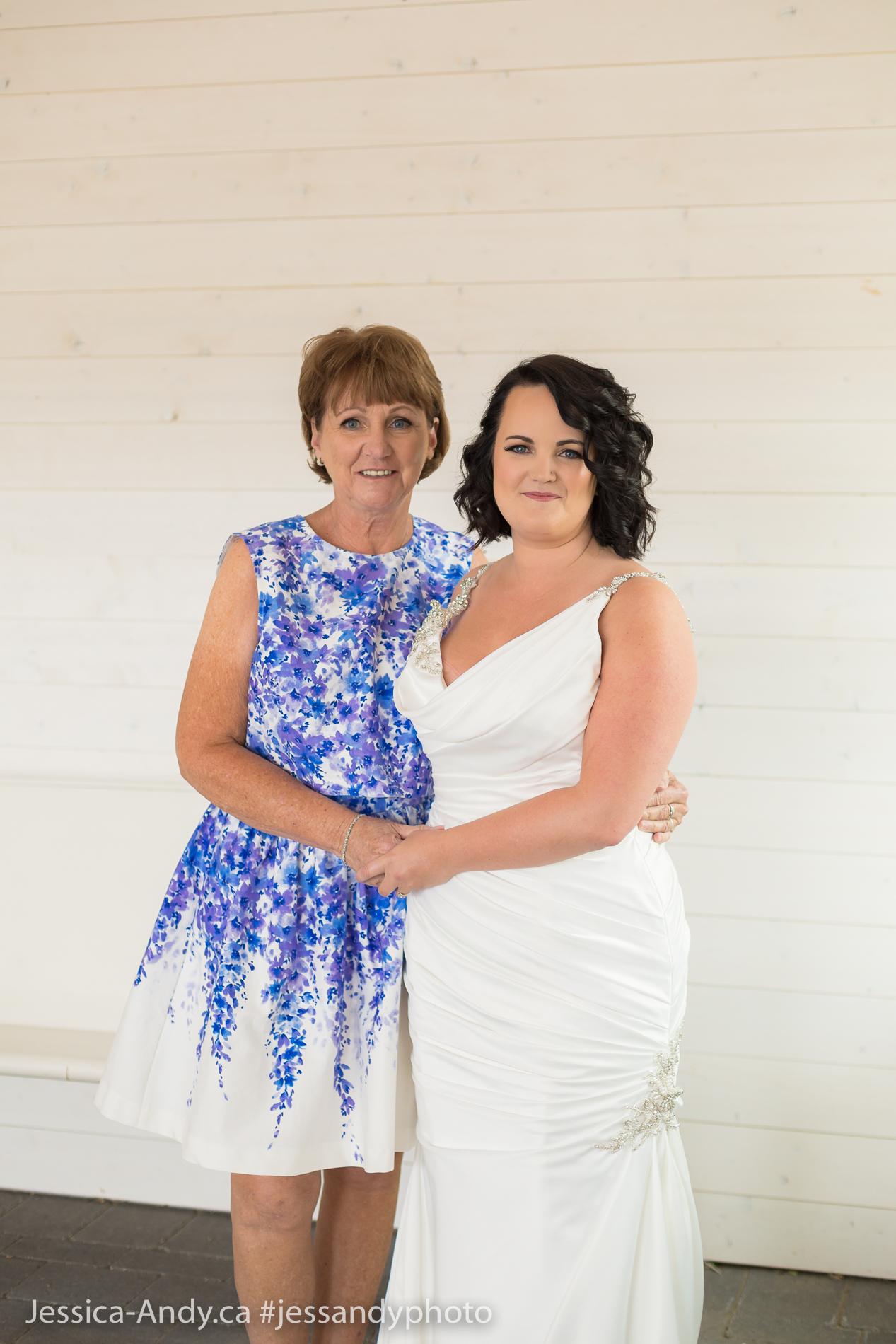 Bride & Mom - Kelowna Wedding