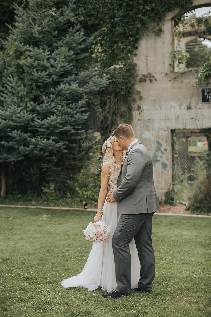 101.Kaleden Wedding Photographer - Val & Alex - Val, ALex & Friends-279_id92004671