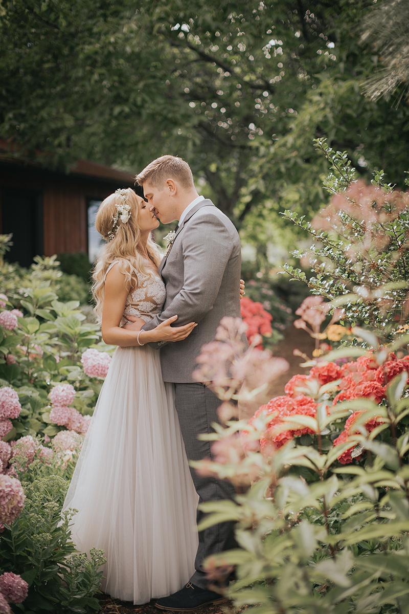 216.Kaleden Wedding Photographer - Val & Alex - Val, ALex & Friends-65_id92004457