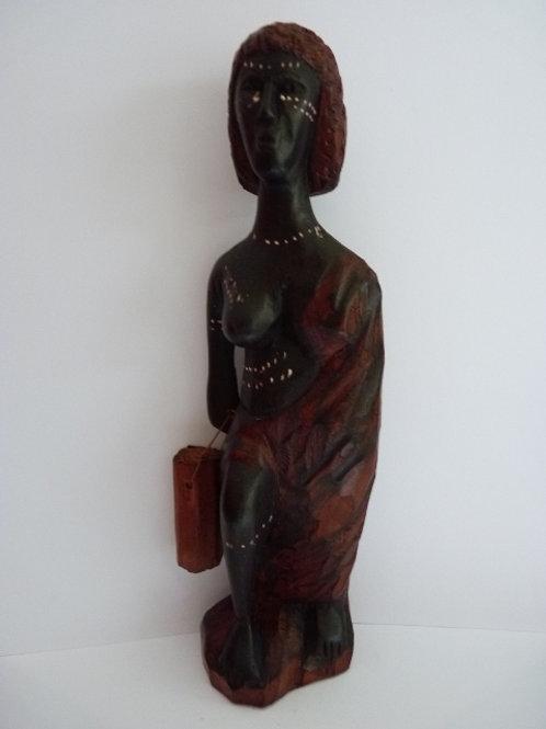 Statuette femme avec gourde