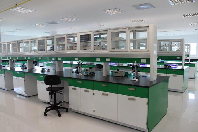 Mesa Central Laboratorio.jpg
