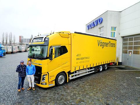 Volvo%20FH%2026t_edited.jpg