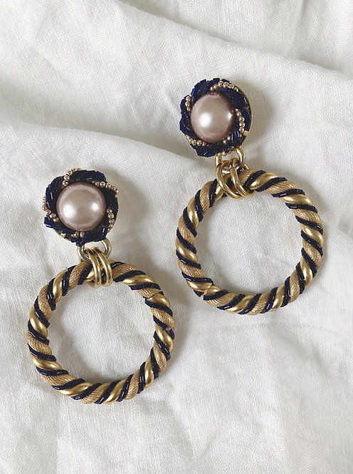 Circle torchon  earrings