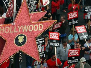 Greve dos Roteiristas de Hollywood - Saiba o que Está Acontecendo.